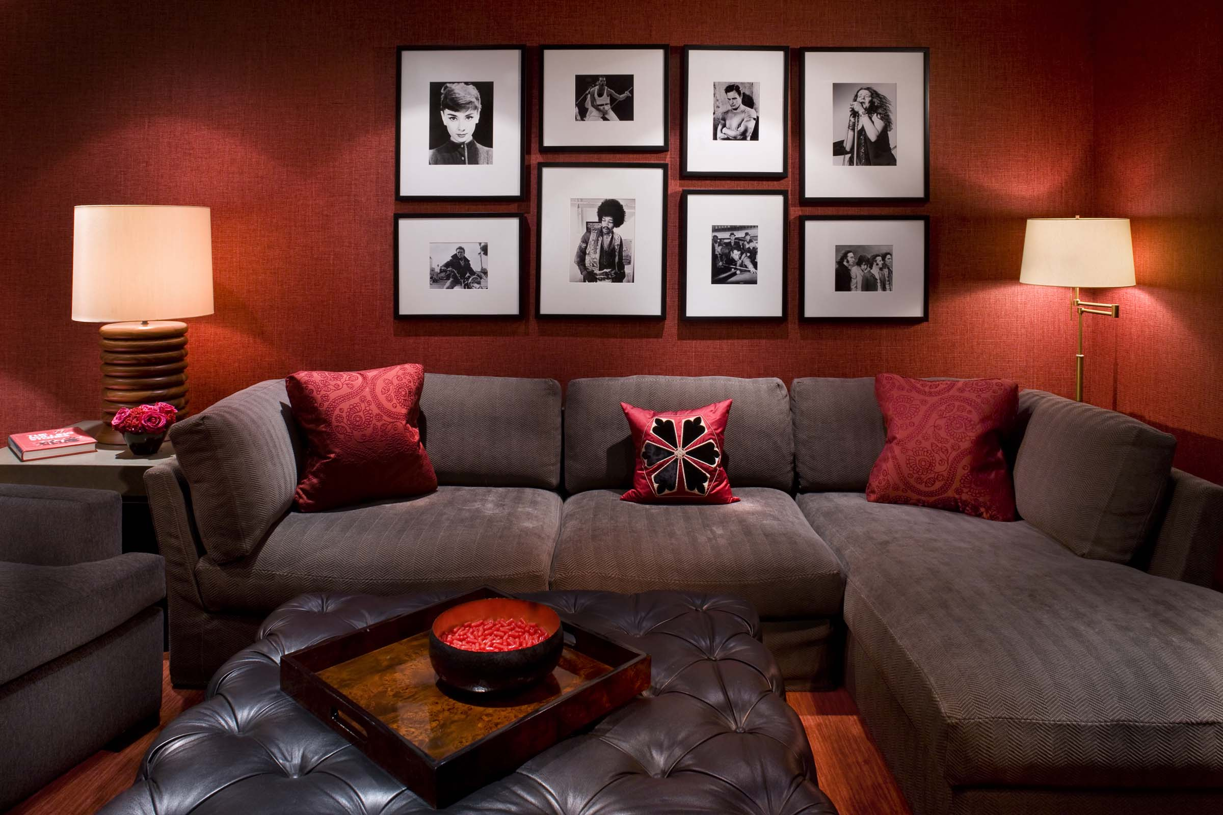Featured Image of Exotic Modern Living Room