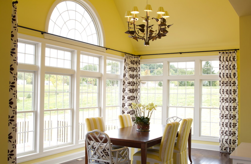 Featured Image of Floral Dining Room Curtains For Triple Windows