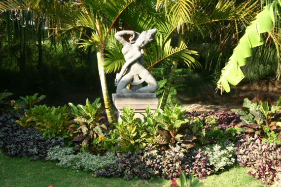 Featured Image of Garden Statue Design Ideas
