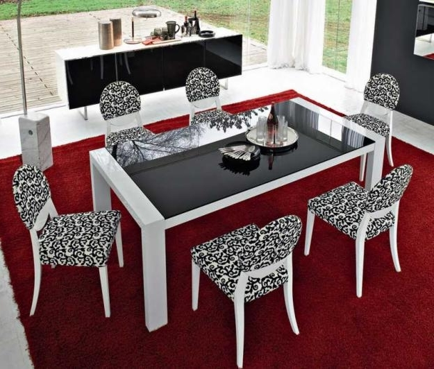 Featured Image of Glass Italian Dining Room Table