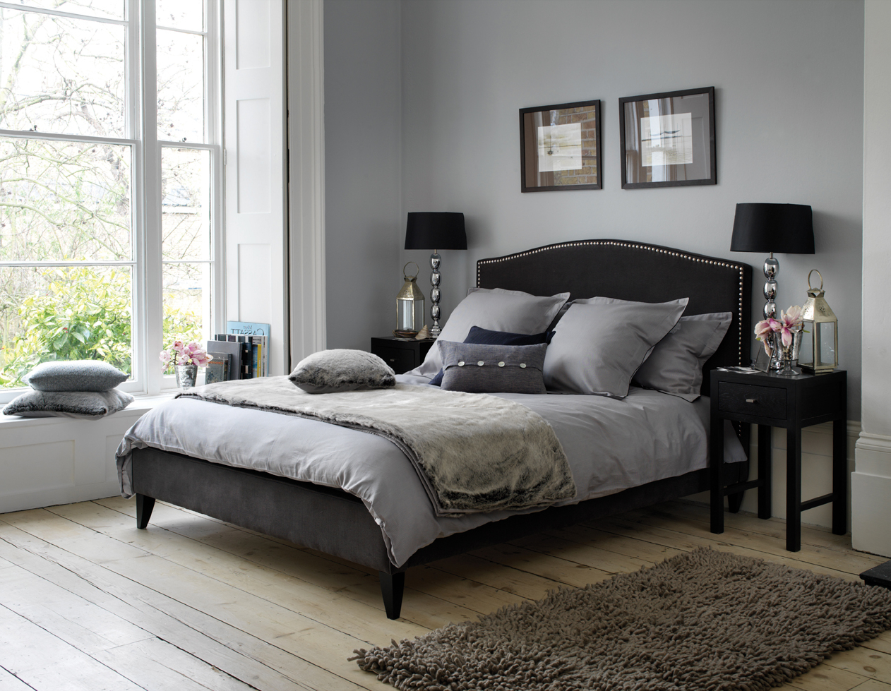 Featured Image of Gothic Bedroom In Grey Color