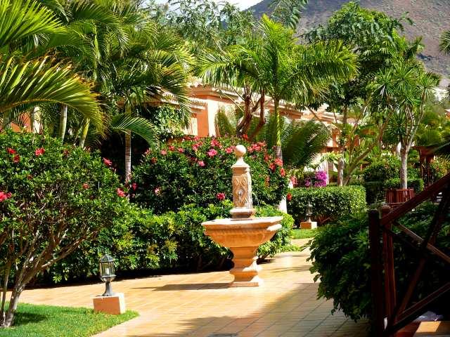 Featured Image of Green Garden Design Ideas