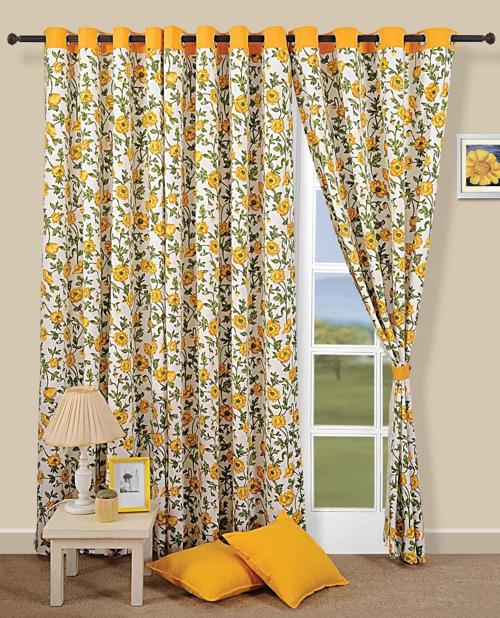 Featured Image of Harmonious Floral Curtain Pattern