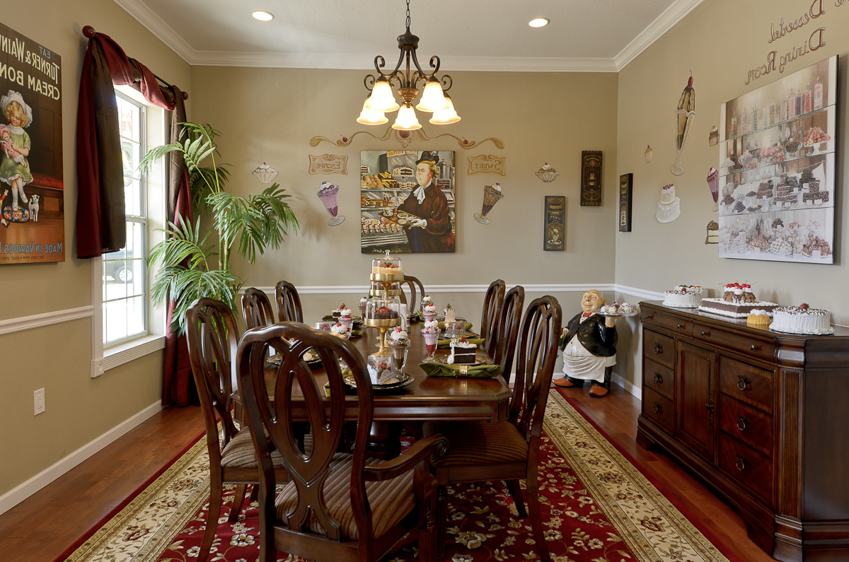 Featured Image of Impressive Classic Dining Room