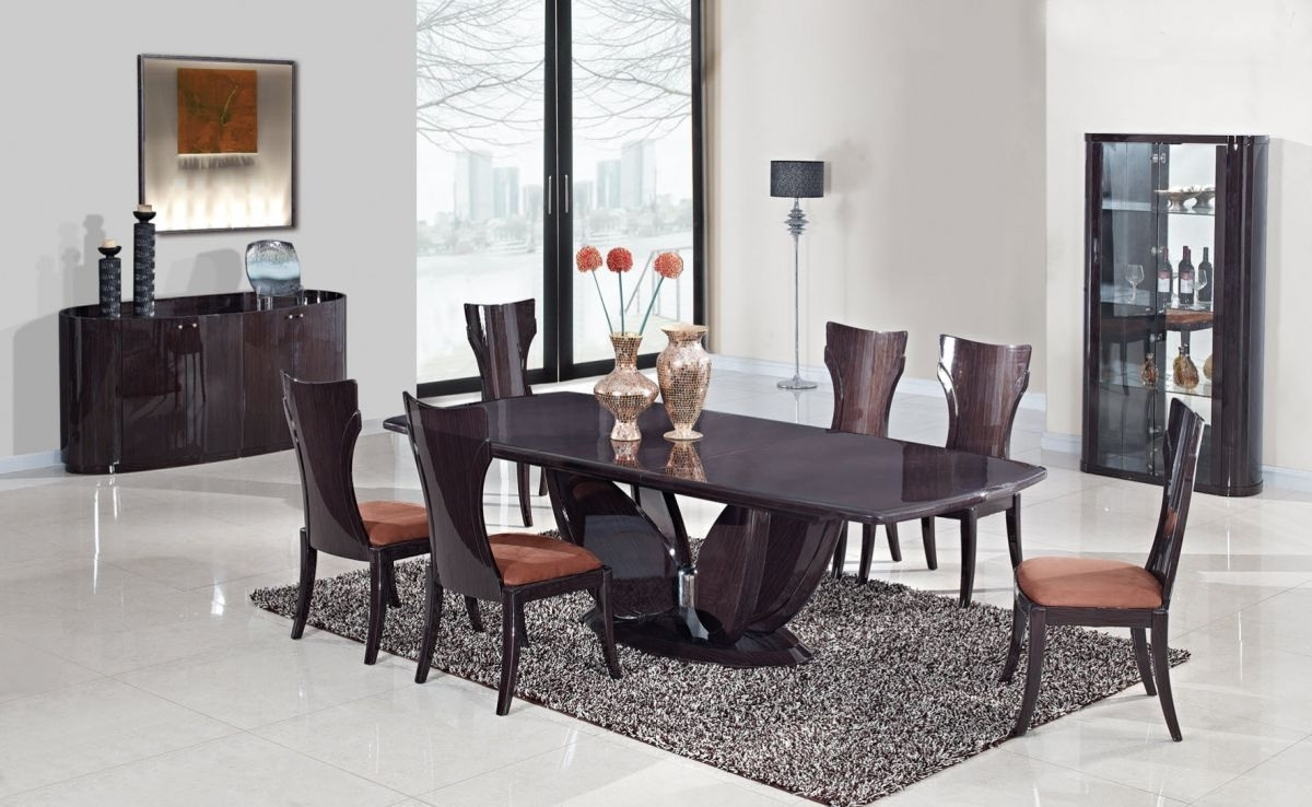 Featured Image of Italian Inspired Beautiful Dining Room