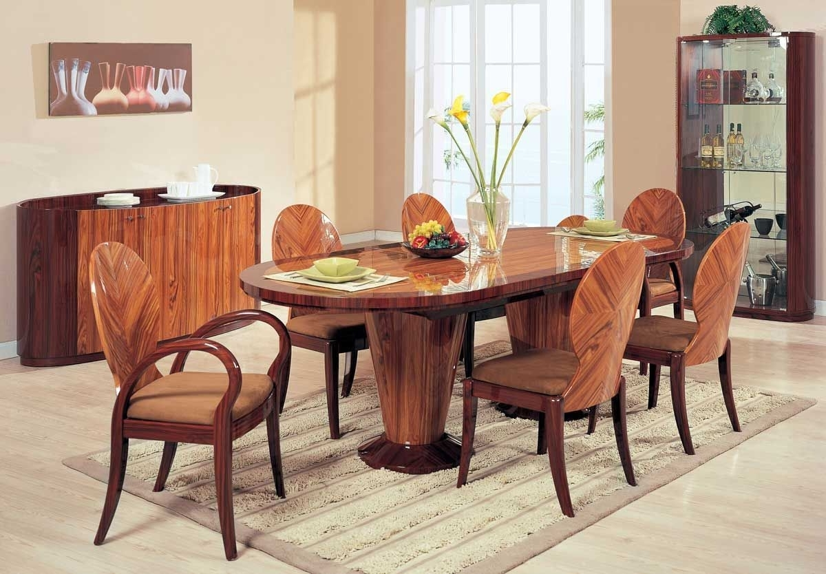 Featured Image of Italian Inspired Wooden Dining Room