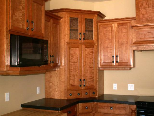 Featured Image of Kitchen Corner Cabinet Solutions