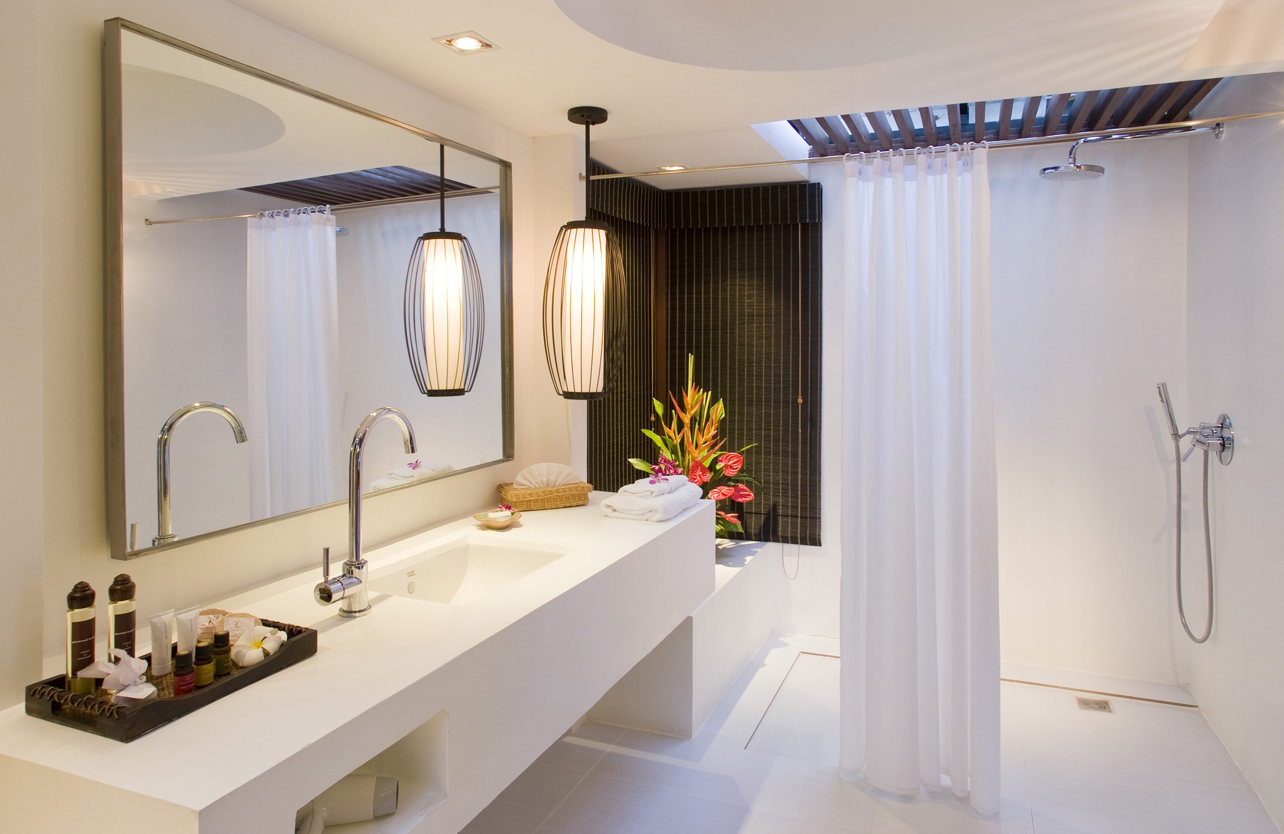 Featured Image of Latest Contemporary Bathroom Shower With Elegant Curtain