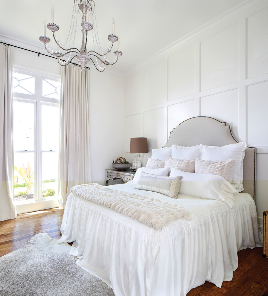 Featured Image of Luxury American White Bedroom