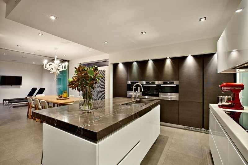 Featured Image of Luxury European Kitchen And Dining Room Combo