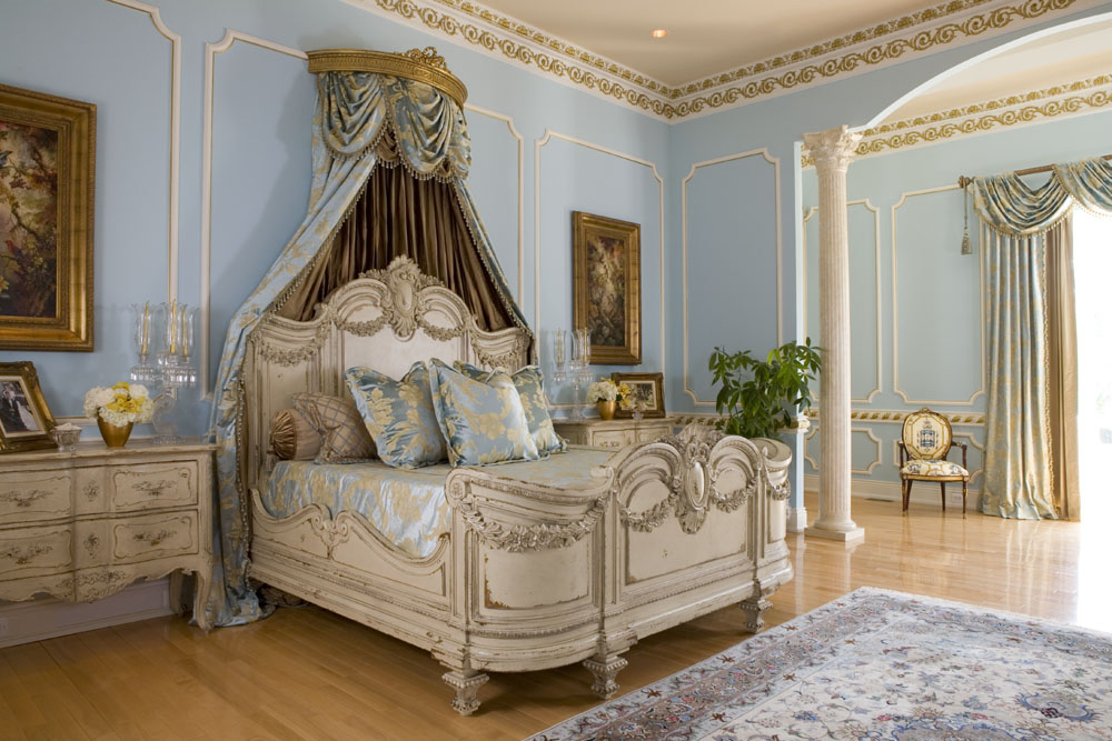 Featured Image of Luxury Italian Bedroom Furniture