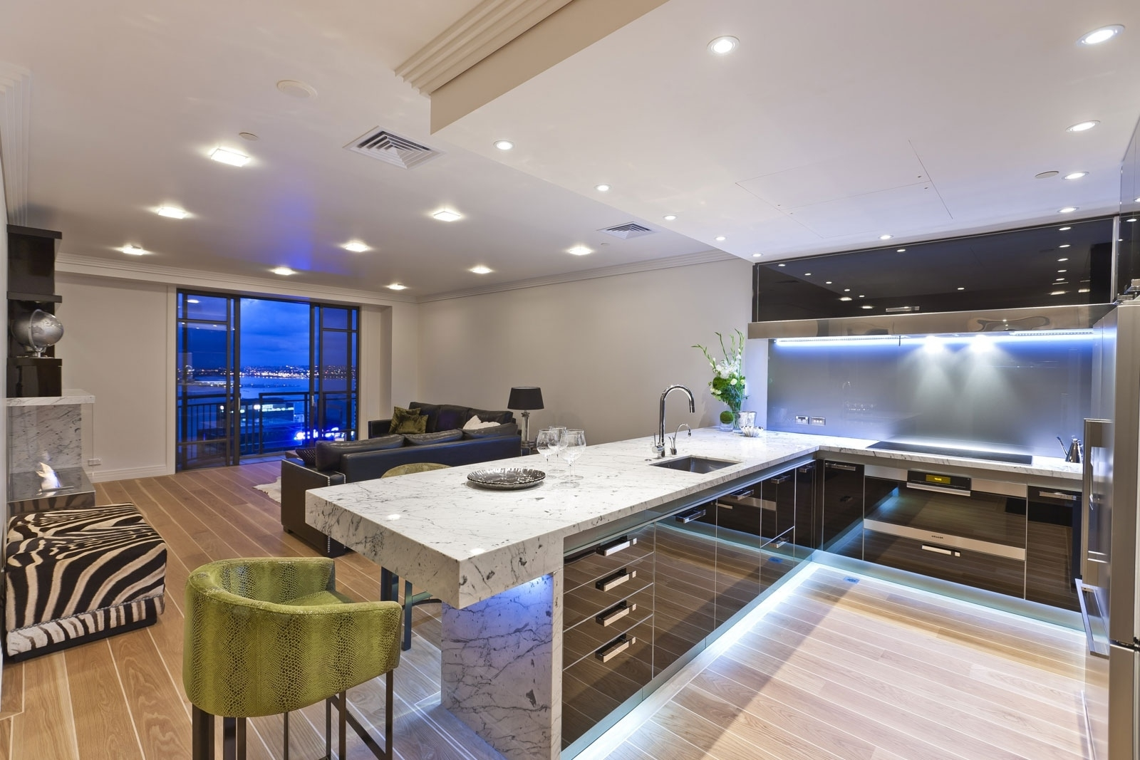 Featured Image of Luxury Kitchen Furniture And Lighting Ideas