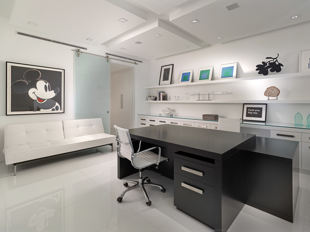 Featured Image of Mickey Mouse Theme Home Office Interior