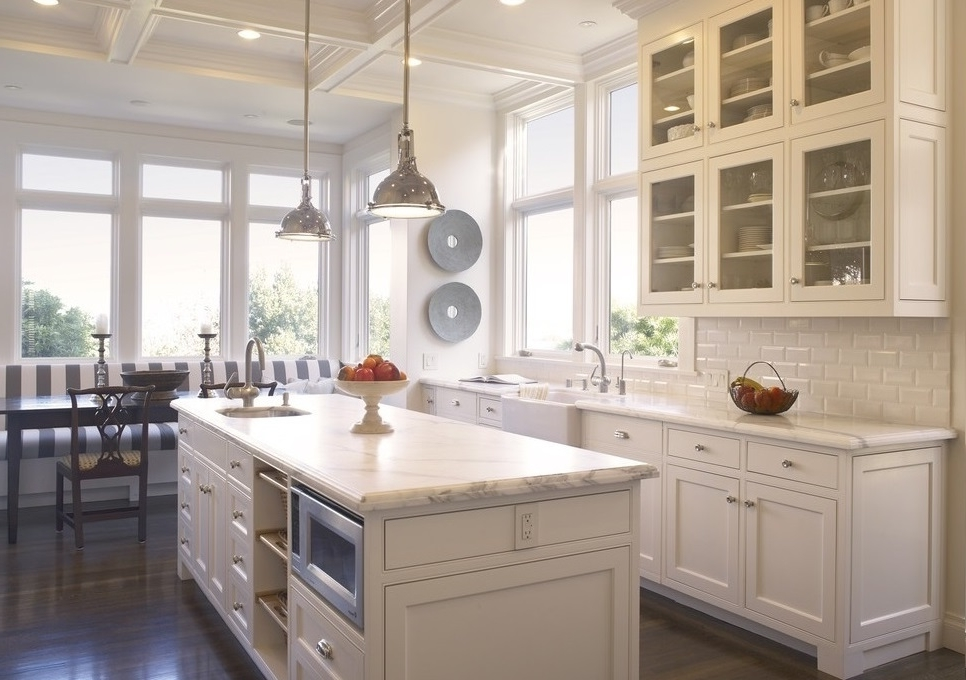 Featured Image of Minimalist European Kitchen With White Cabinet