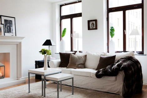 Featured Image of Minimalist Living Room Textiles