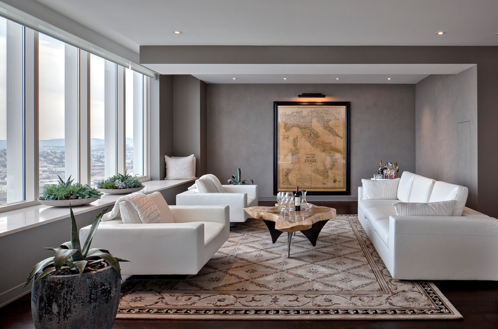 Featured Image of Minimalist Living Room In Western Style