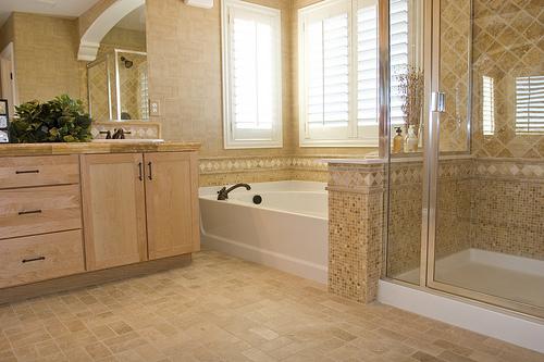 Featured Image of Modern Bathroom Interior Design