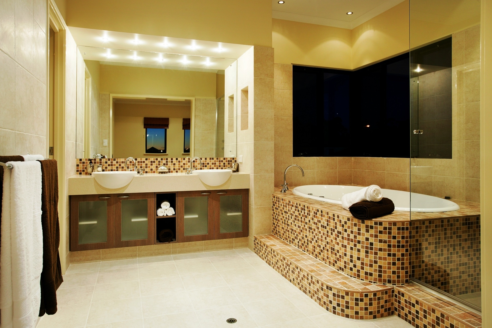 Featured Image of Modern Cozy Bathroom Remodel