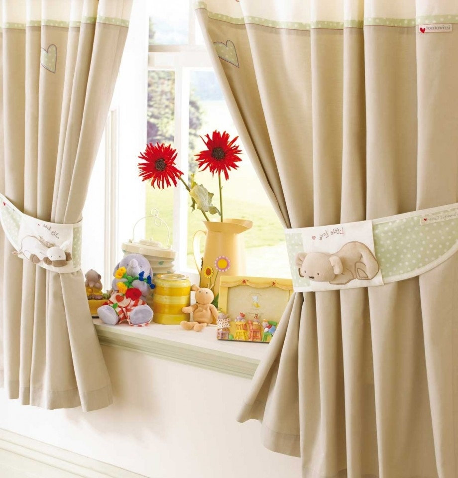Featured Image of Modern Curtain With Cute Motive