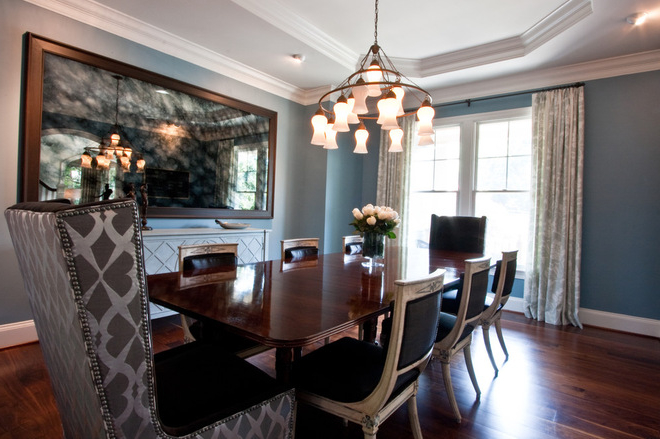 Featured Image of Modern Dining Room With Chandelier