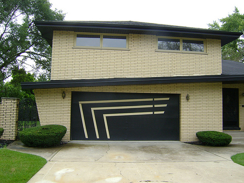 Featured Image of Modern Garage Door Design Ideas