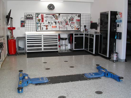 Featured Image of Modern Garage Interior Design Ideas