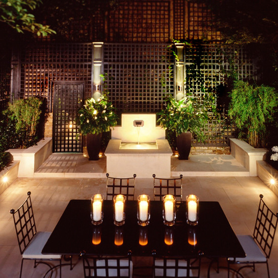 Featured Image of Modern Garden Lighting Ideas