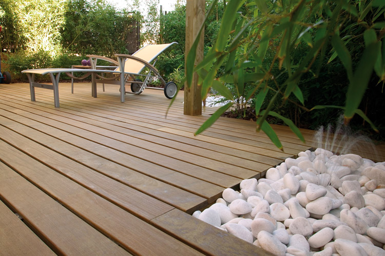 Featured Image of Modern Garden Wood Floor Ideas