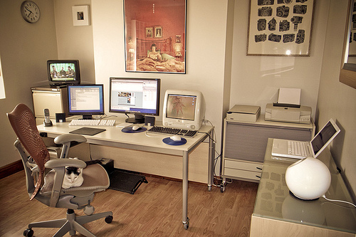 Featured Image of Modern Home Office Furniture Ideas