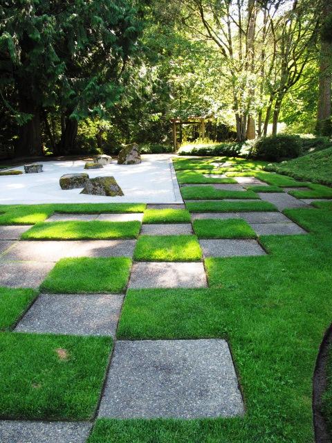 Featured Image of Modern Japanese Garden Ideas