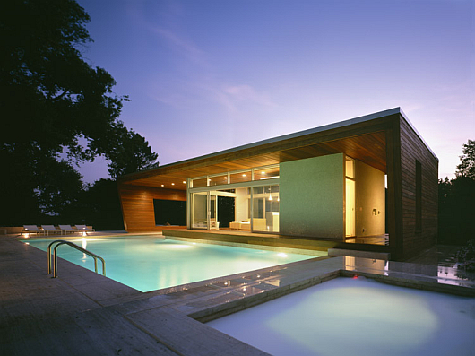 Featured Image of Modern Swimming Pool Design Ideas