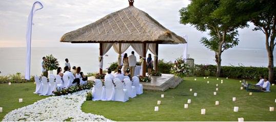 Featured Image of Outdoor Wedding Reception Design Ideas