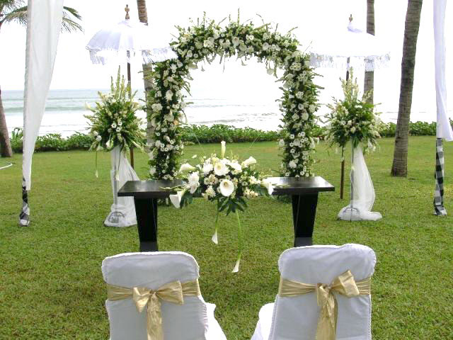 Featured Image of Outdoor Wedding Reception Inspiration Ideas
