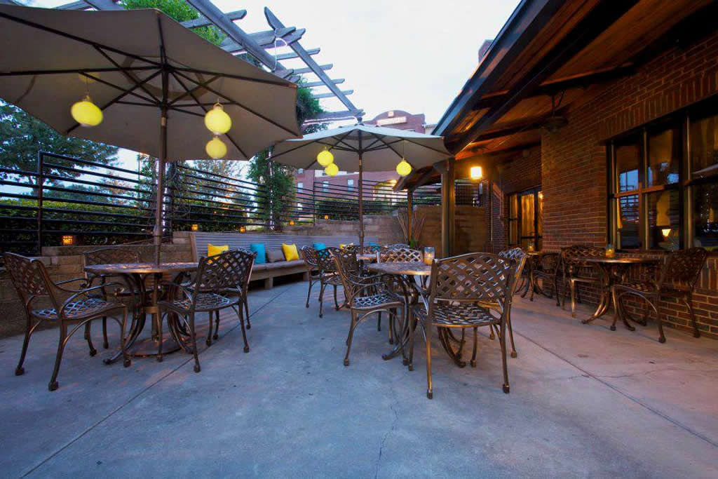 Featured Image of Restaurant Patio Lighting And Gazebo Ideas