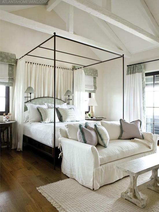 Featured Image of Romantic Bedroom Interior Design Ideas