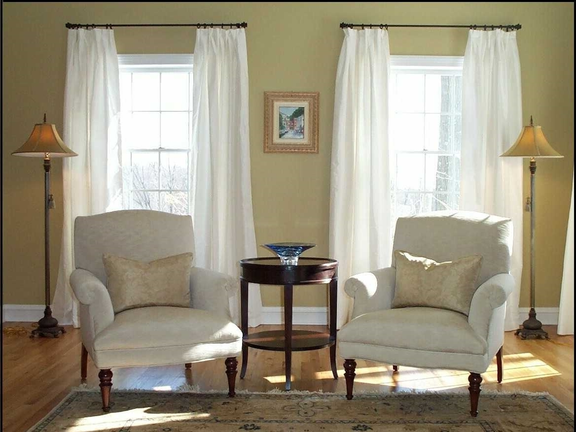 Featured Image of Simple Curtain Rods