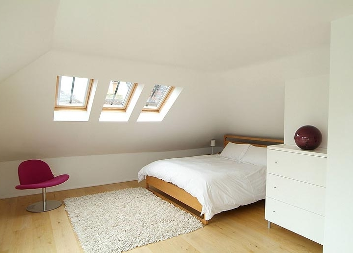 Featured Image of Simple Elegant Attic Bedroom