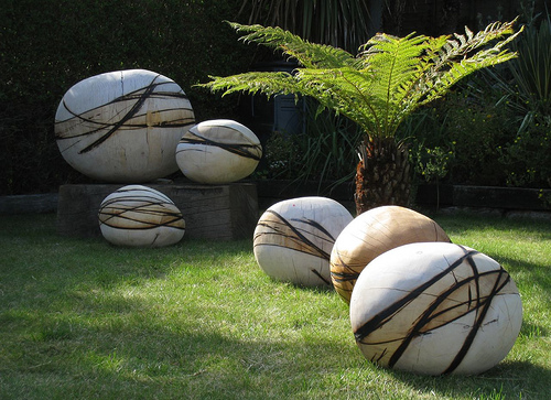 Featured Image of Simple Garden Sculpture Ideas