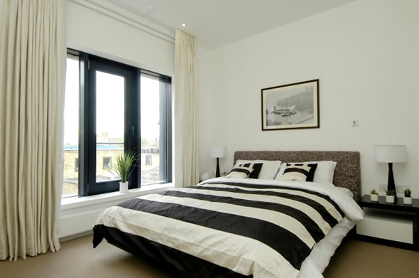 Simple minimalist black white bedroom 6249 house for Minimalist black and white bedroom