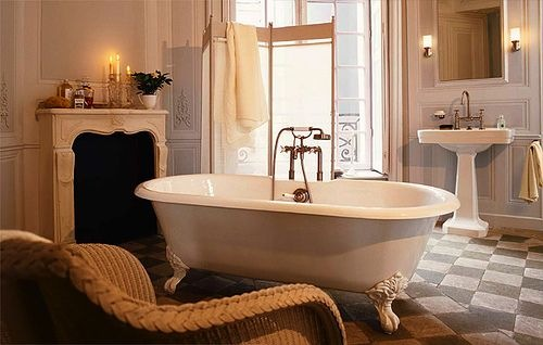 Featured Image of Simple Minimalist Glamour Bathroom Furniture Ideas