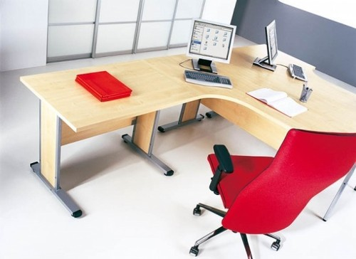 Featured Image of Simple Office Table Ideas