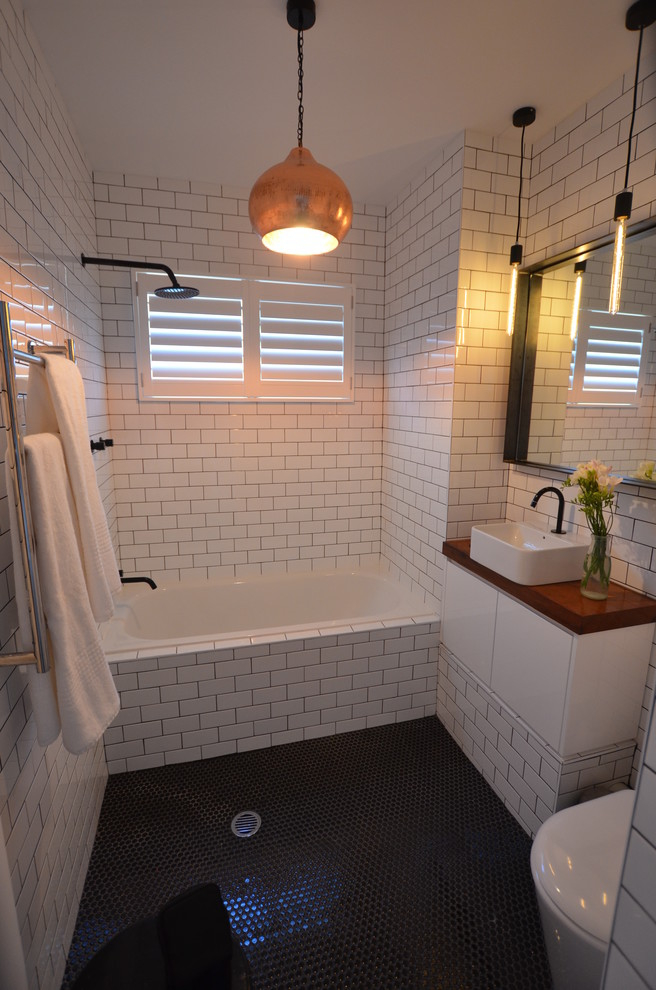 Featured Image of Simply Tiny Bathroom With Ceramic Wall