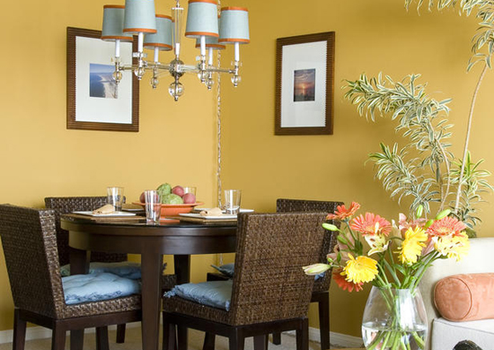 Featured Image of Small Dining Room Interior Decorating Ideas