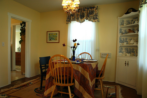 Featured Image of Small Dining Room Interior Ideas