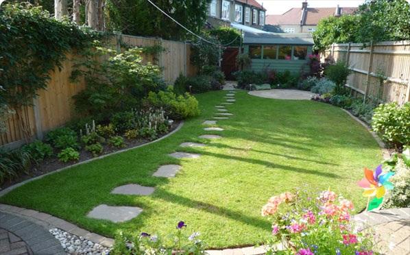 Featured Image of Small Garden Design Ideas