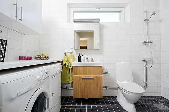 Featured Image of Small Laundry Toilet Designs