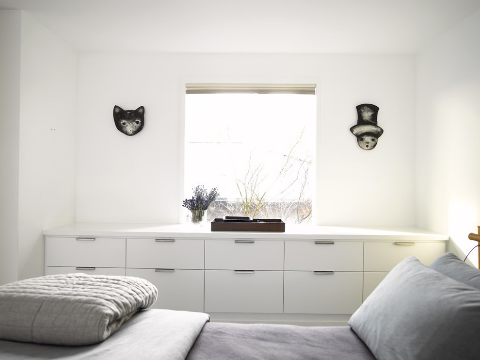 Featured Image of Small Modern Bedroom Storage