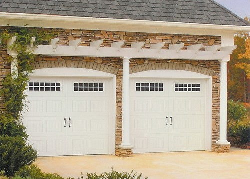 Featured Image of Small Modern Garage Design Ideas