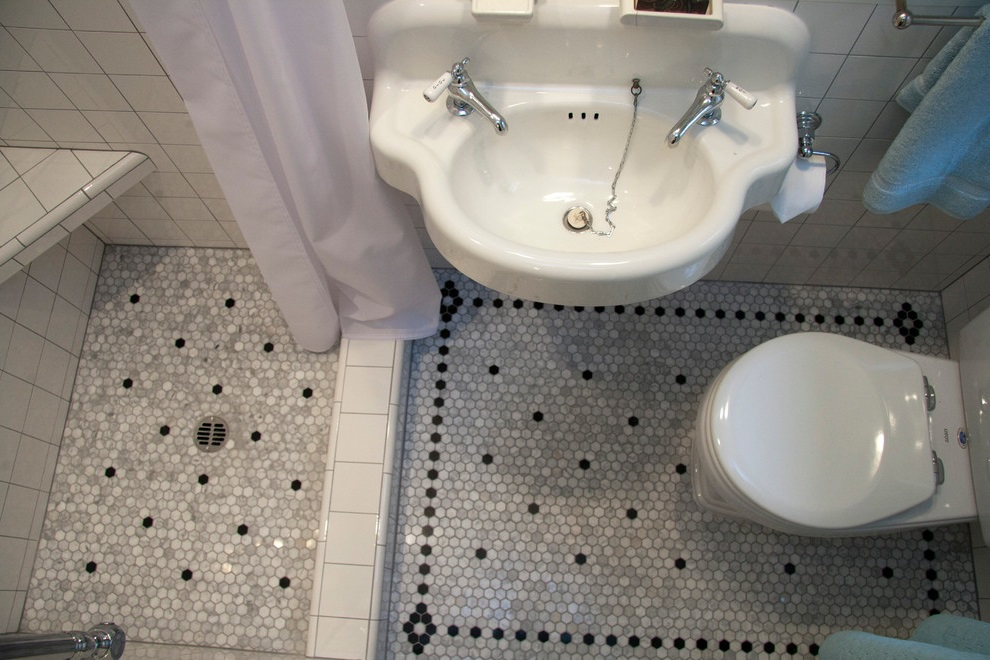 Featured Image of Tiny Bathroom Layout Design