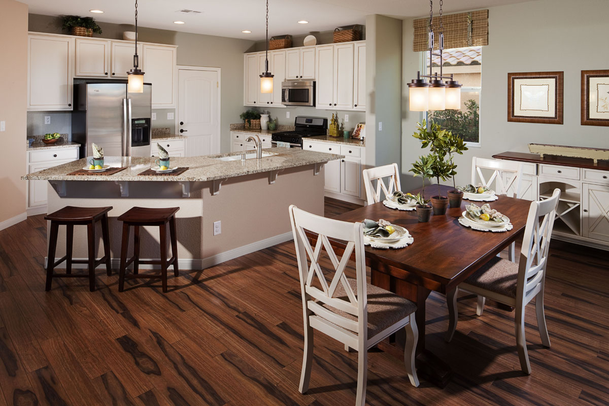 Featured Image of Traditional American Dining Room And Kitchen Combination